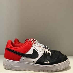 Nike Air Force 1 '07 Lv8 Low Mini Swoosh Black Toe
